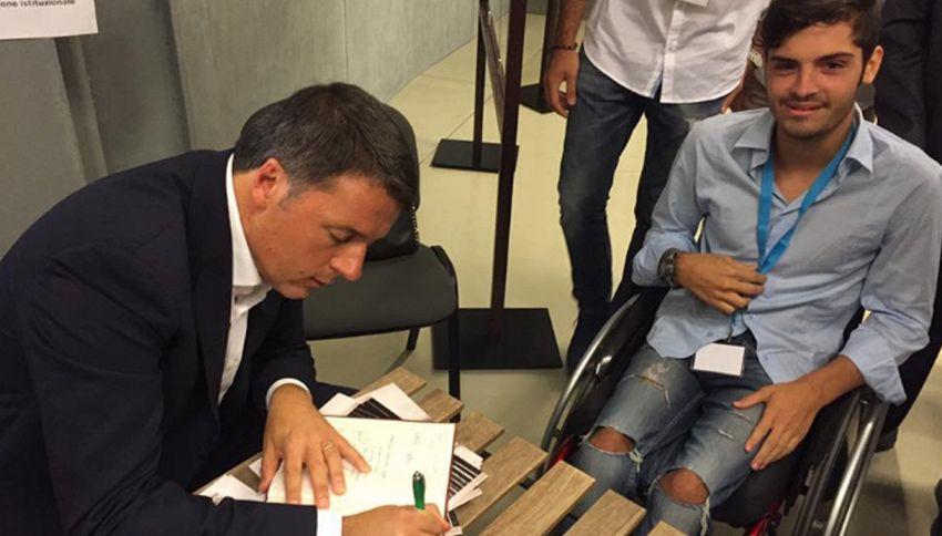 """Lettera di Renzi al ragazzo disabile: """"Cercheremo di avere la tua forza"""""""