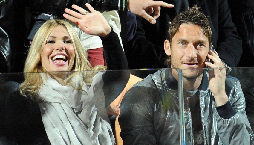 """Attacco a Spalletti della signora Totti: """"È un piccolo uomo"""""""