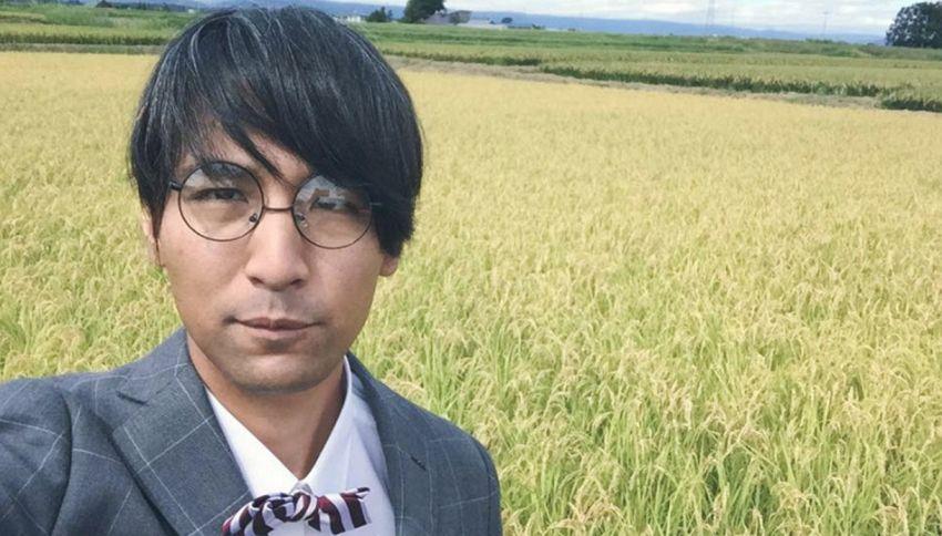 Zappare la terra in giacca e cravatta: ecco il contadino elegante