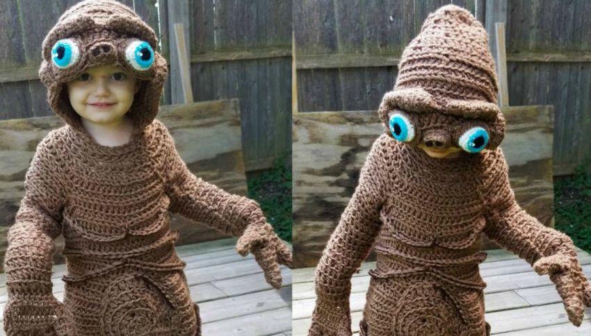 Gli straordinari costumi di Halloween fatti all'uncinetto da una mamma