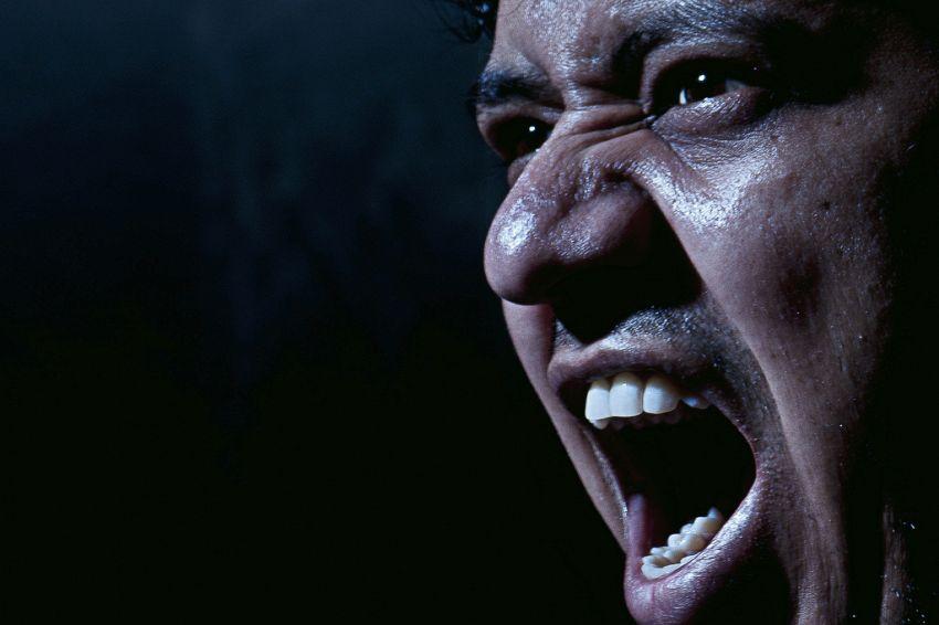Perché arrabbiarsi fa male al cuore e come evitarlo