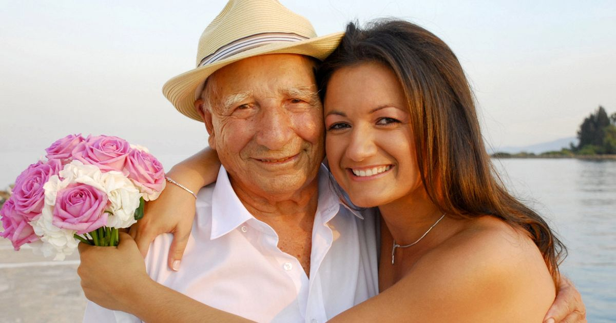 Sposa una donna pi giovane e scopre di essere suo nonno supereva - Donazione di una casa a un nipote ...