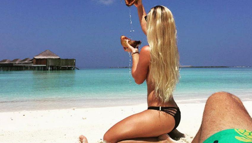 La tennista Cibulkova e le pose da sogno in vacanza