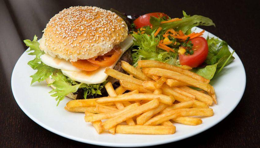 L'amore per il cibo: io onnivoro tu vegetariana. Può funzionare?