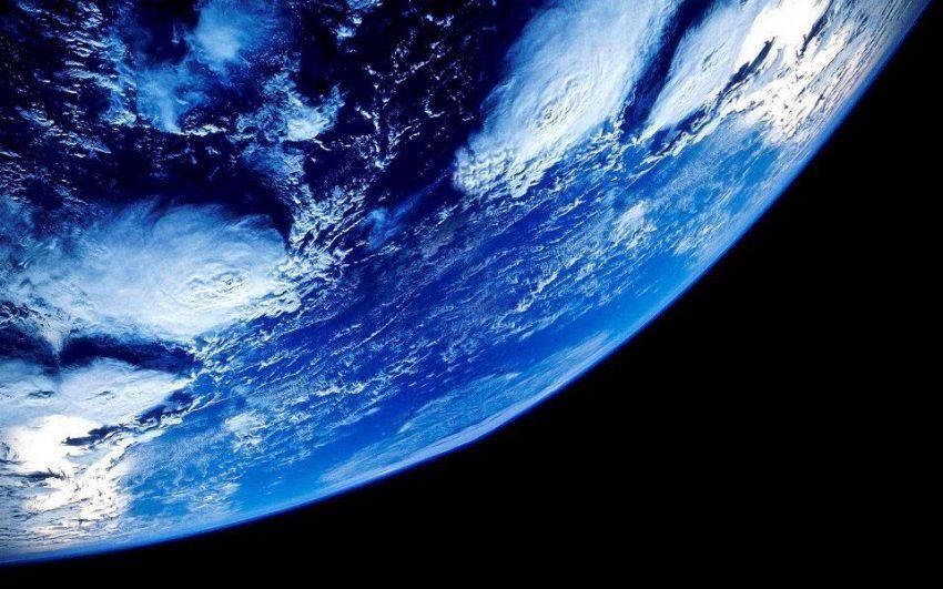 Pericolo raggi cosmici, il campo magnetico della Terra si è spaccato?