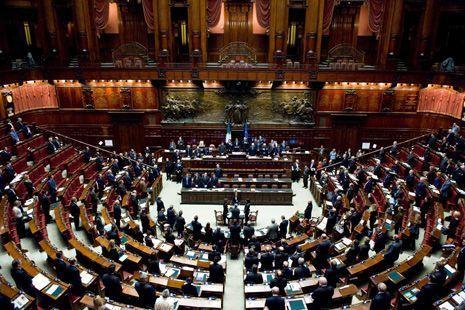 Parlamento in vacanza da oggi 19 giorni di ferie for In parlamento oggi