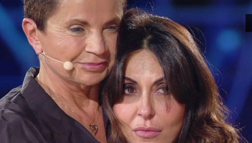 Sabrina Ferilli, lacrime in diretta per la lettera della madre