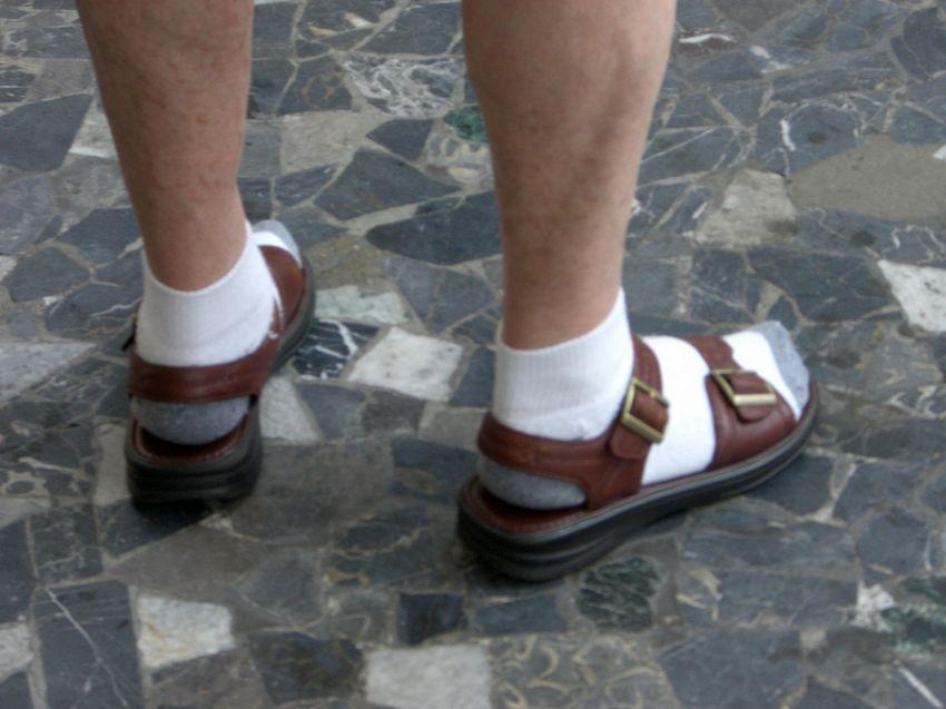 Dimmi come porti le calze e ti dirò chi sei