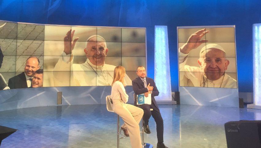 Il Papa telefona in diretta a Uno Mattina: le parole emozionanti
