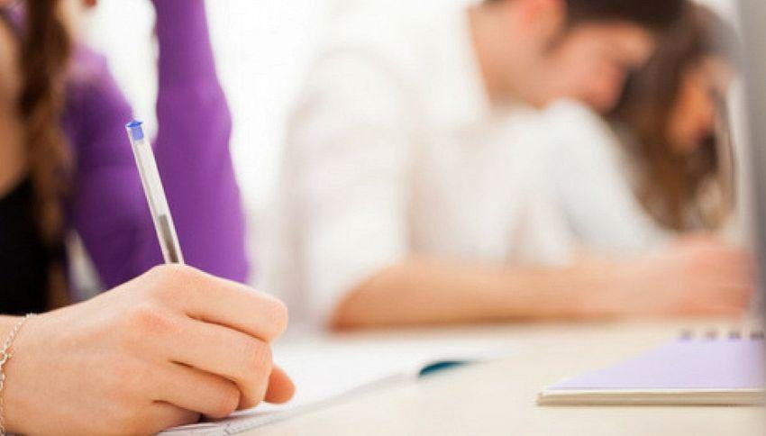 Addio alla terza prova di maturità, cambia l'esame delle medie