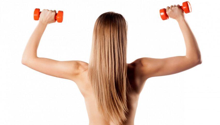 Il nuovo trend del fitness: tutti nudi, a qualunque età