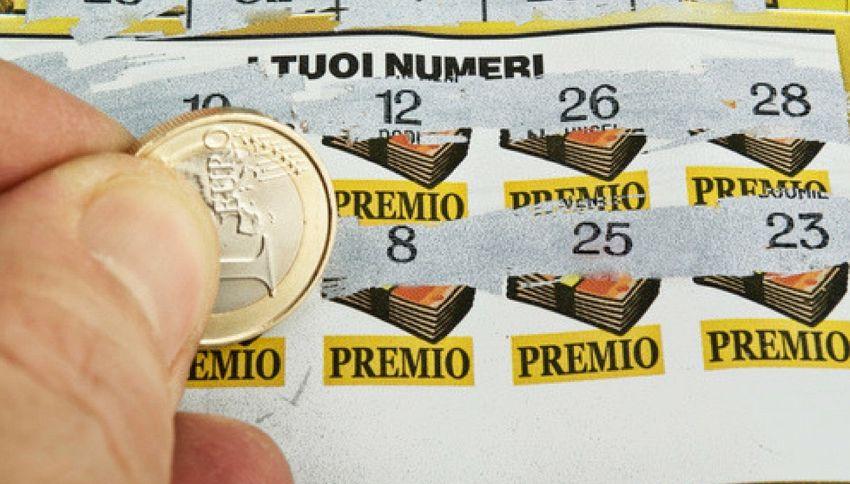 Malato e disoccupato vince 500 euro a settimana per 20 anni