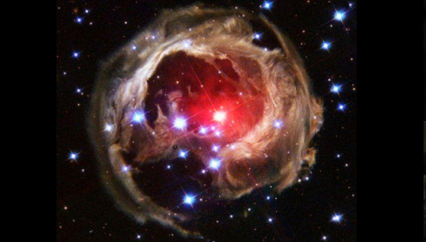Nel 2022 un'esplosione fra due stelle che farà giorno