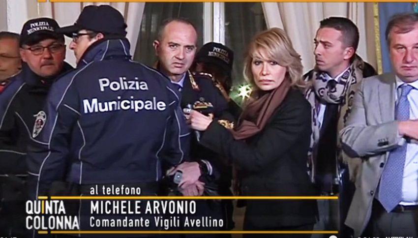 Il capo dei vigili di Nola sviene in diretta a 'Quinta Colonna'