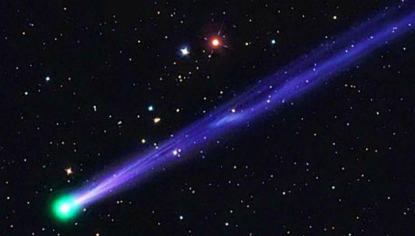 Una strana cometa verde si sta avvicinando alla terra