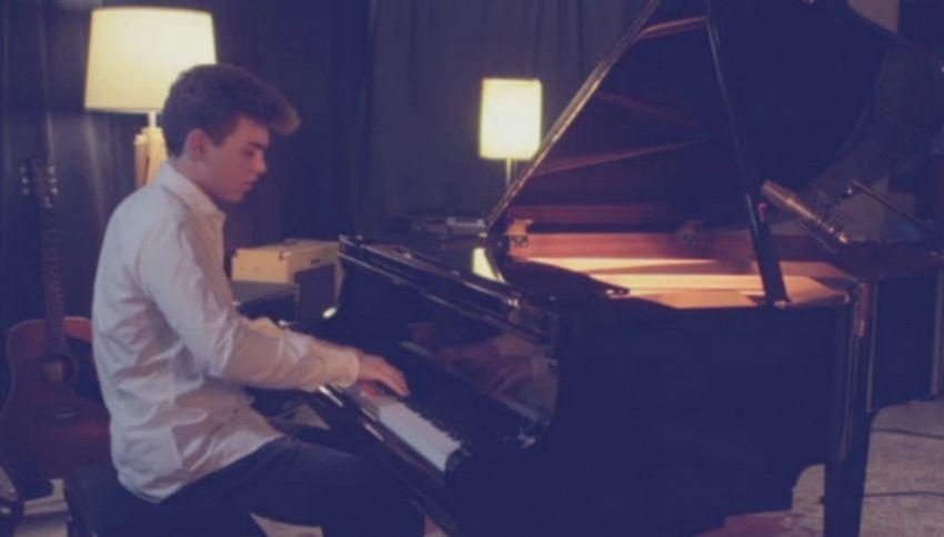 Chi è Emanuele Fasano, pianista della stazione ospite a Sanremo