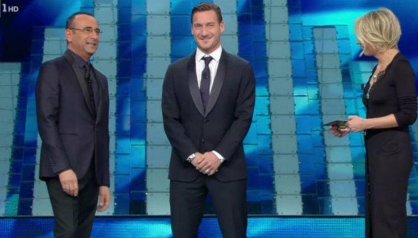 Sanremo: Totti modifica scaletta per fare una battuta sulla Lazio