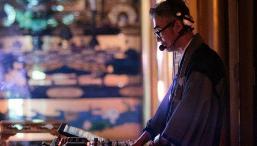 Il monaco giapponese che unisce buddismo e techno