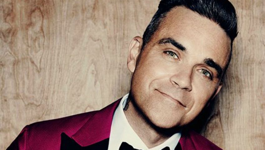"Robbie Williams: ""Mi sono fatto una canna a Buckingham Palace"""