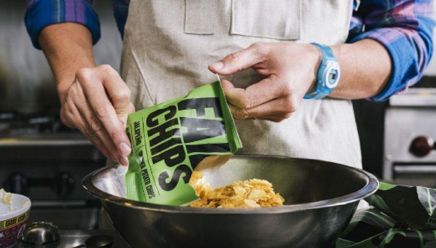 Il successo dell'azienda che produce solo patatine rotte