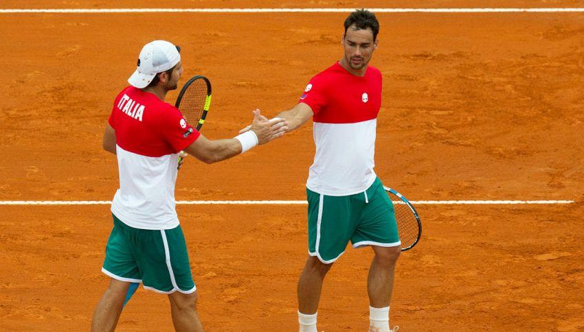 Coppa Davis, la divisa dell'Italia fa discutere. Colori invertiti