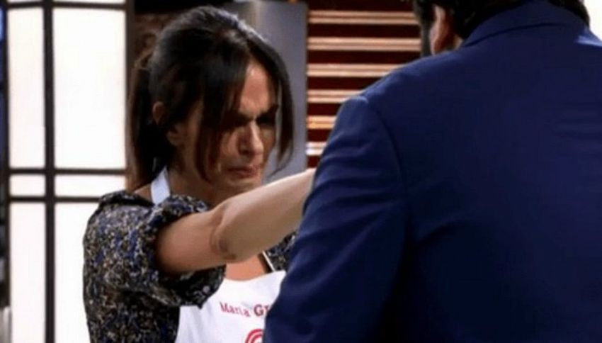 Celebrity Masterchef: Cucinotta eliminata scoppia in lacrime