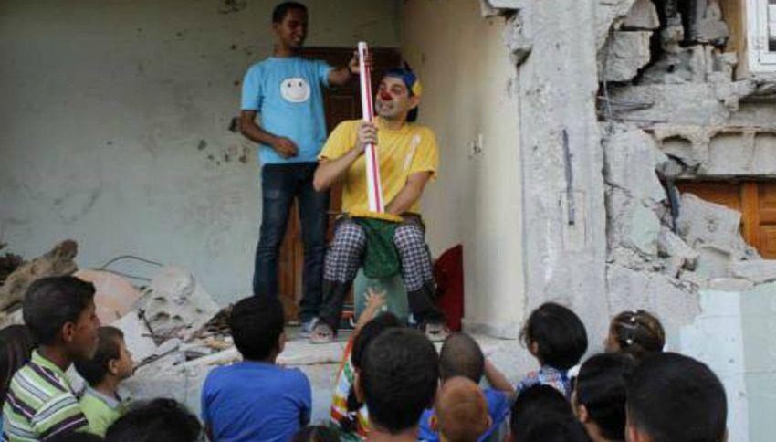Il Pimpa, il clown che fa sorridere i bambini della Siria