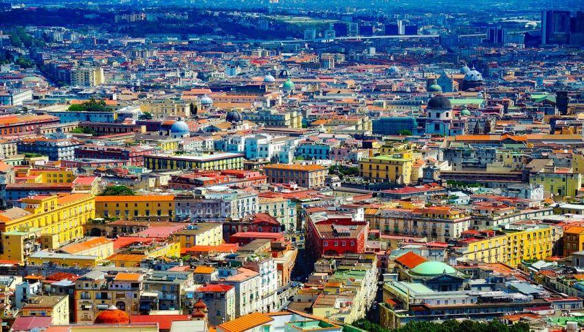 Guai a offendere Napoli. Attivato lo sportello 'Difendi la Città'
