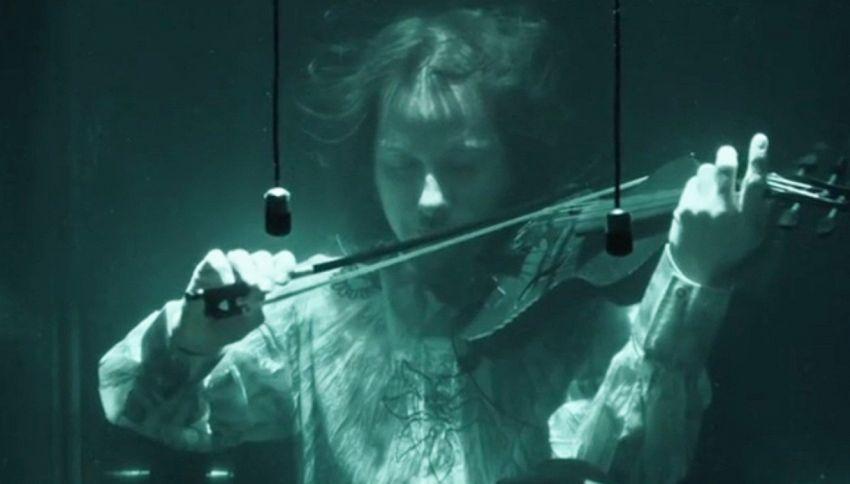 Quando il concerto è sott'acqua, in apnea. Incredibile!