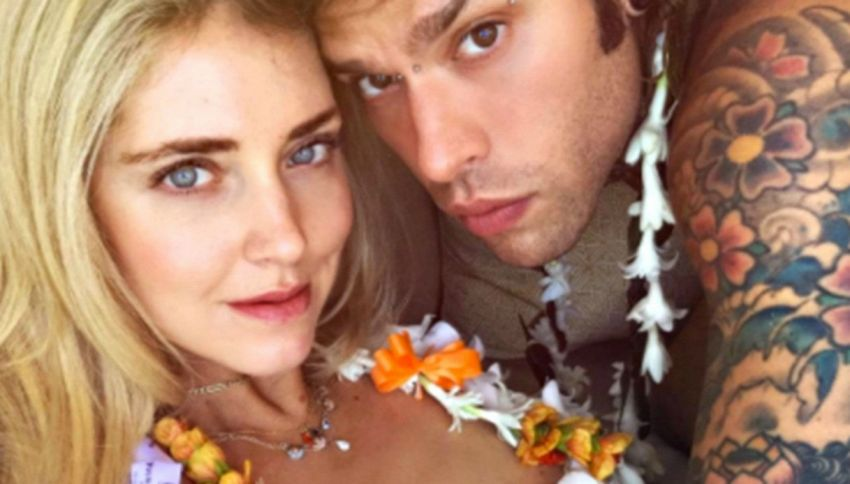 Chiara Ferragni in topless alle Hawaii con Fedez