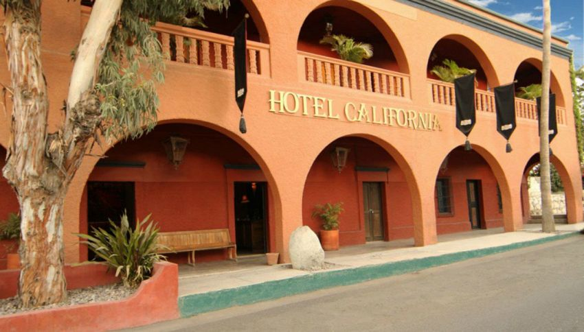 Gli Eagles hanno fatto causa all'Hotel California