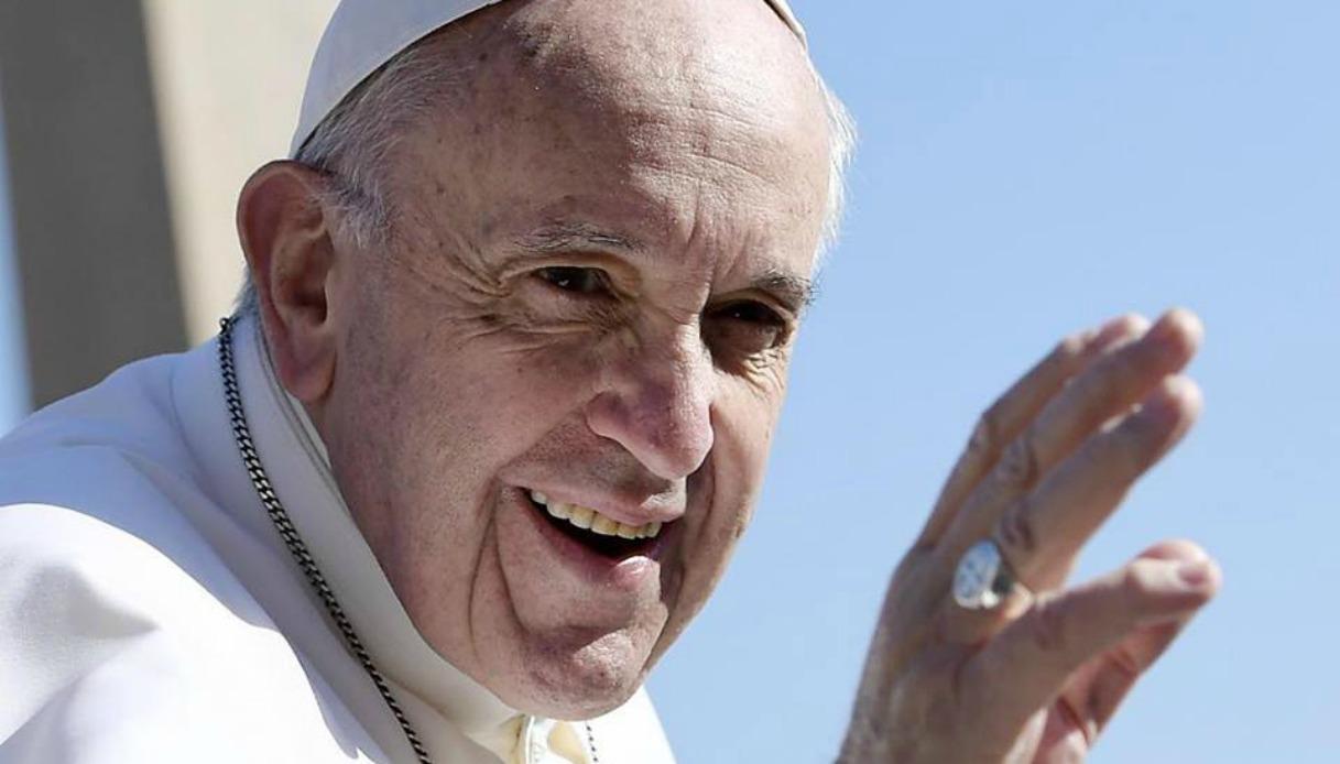 Cerchi un fidanzato? Ecco il santo da pregare secondo il Papa