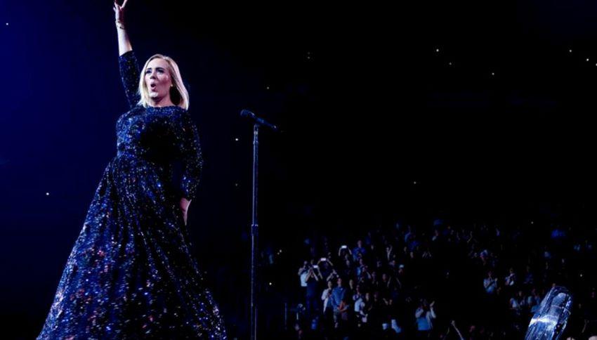 """Adele dice addio alle scene: """"L'ultimo concerto a Londra"""""""