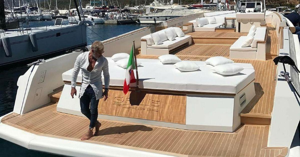 Gianluca vacchi si comprato una nuova barca extralusso for Costo della costruzione di una nuova casa