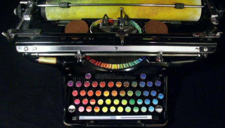 Chromatic Typewriter: la macchina da scrivere che stampa a colori