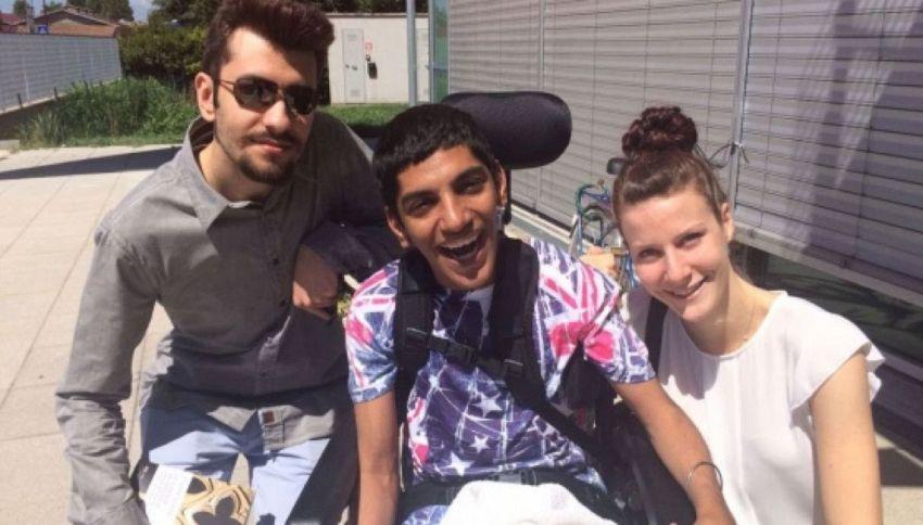 All'orale della maturità prestano la voce al compagno disabile