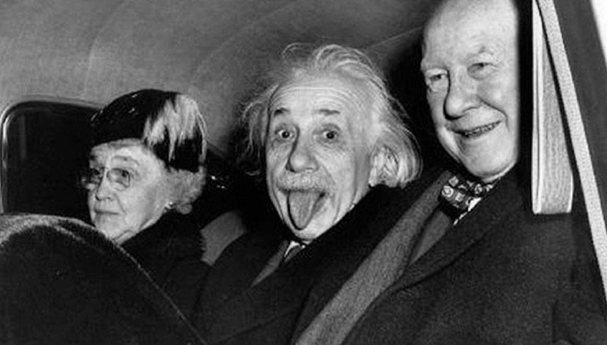 Albert Einstein, venduta all'asta la sua famosa linguaccia