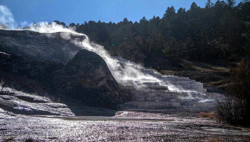 Trema il supervulcano di Yellowstone: 878 scosse