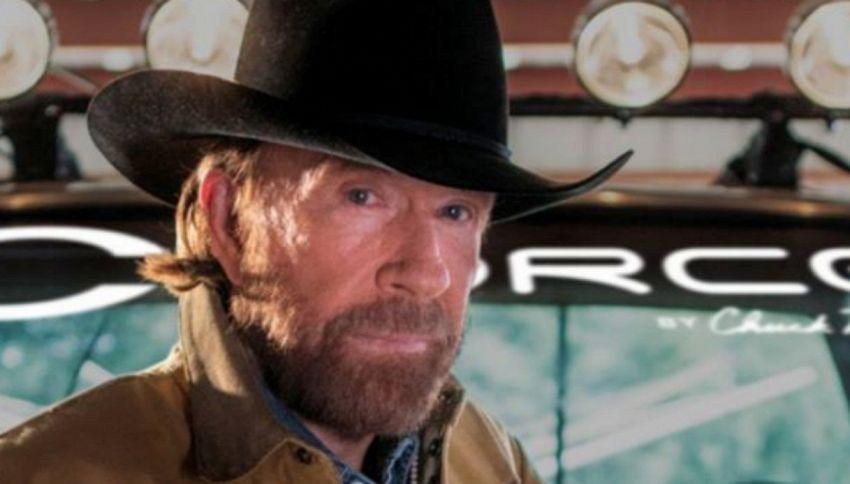 Chuck Norris ha 2 infarti in 45 minuti, ma riesce a sopravvivere