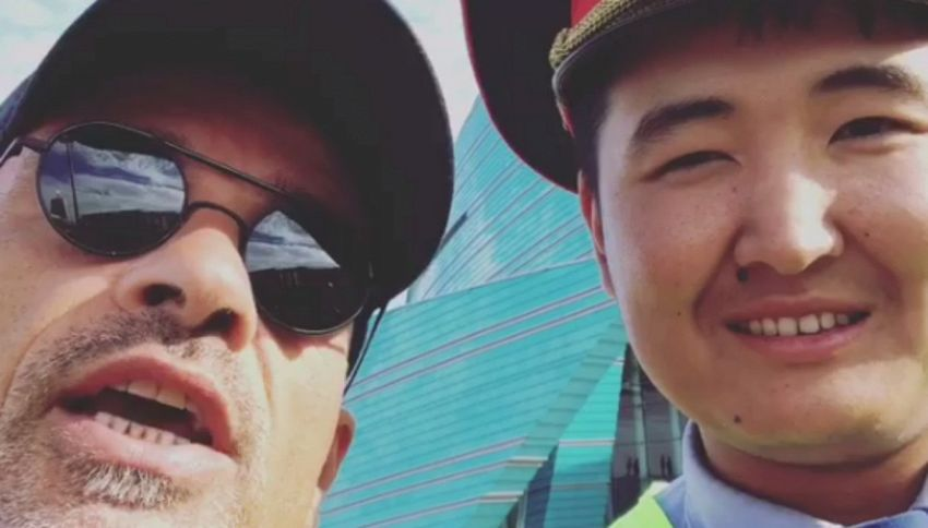 Ramazzotti fermato dal poliziotto kazako gli canta una canzone