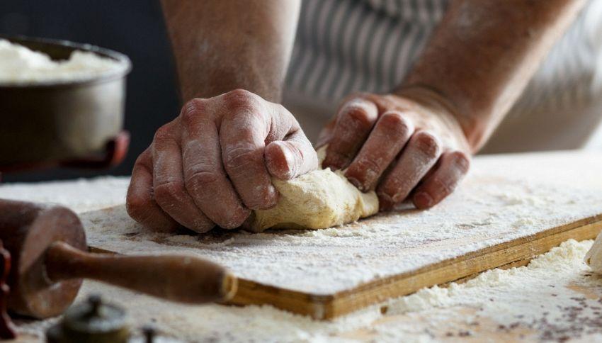 Acqua di mare per fare il pane: l'idea nata ai piedi del Vesuvio