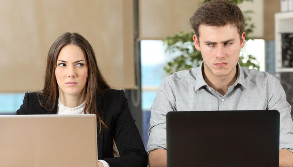 I 7 segnali (inequivocabili) che i tuoi colleghi ti odiano