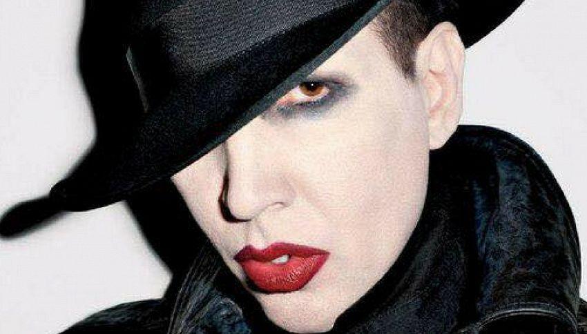 Marilyn Manson su Canale 5: sarà ospite del nuovo show di Bonolis