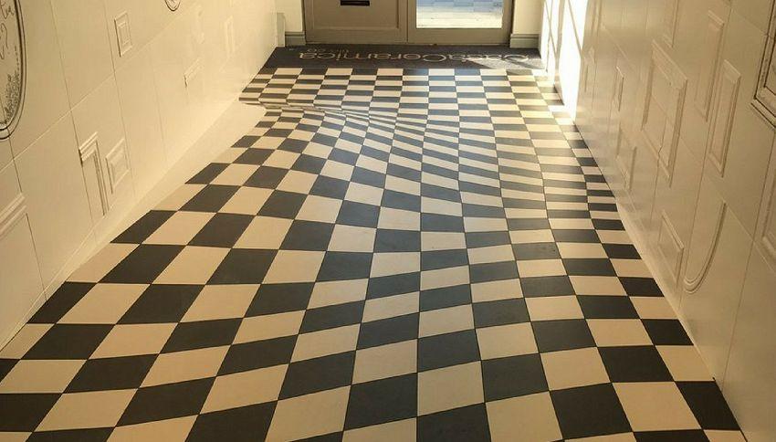 Il pavimento con l'illusione ottica: sembra sprofondare!