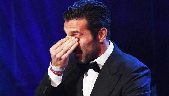 È lui il miglior portiere dell'anno. Buffon non trattiene le lacrime