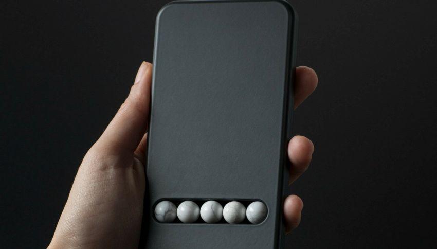 Arriva il telefono finto per curare la dipendenza da smartphone