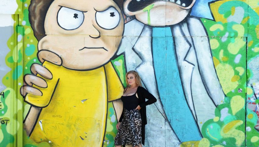 La foto improbabile di Rick e Morty con Lory Del Santo