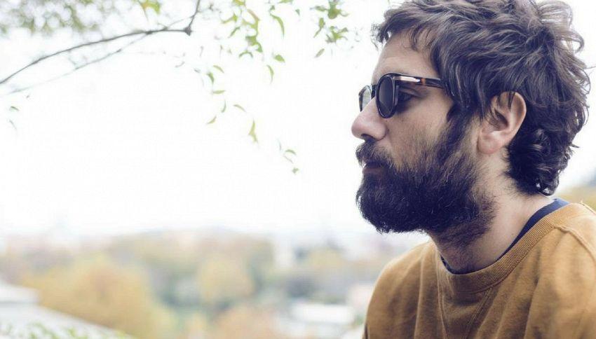TheGiornalisti: il nuovo look di Tommaso Paradiso