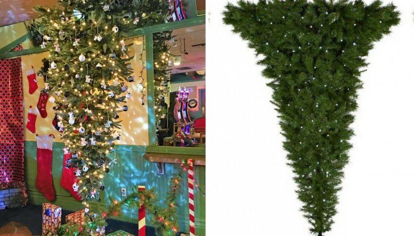 L'ultima moda sono gli alberi di Natale rovesciati