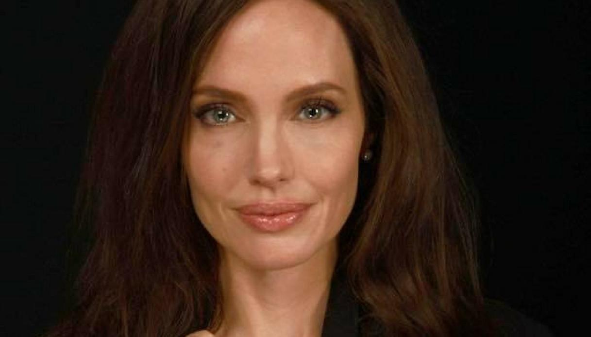 """Angelina Jolie compra i diritti di """"Senza Sangue"""" di Baricco"""